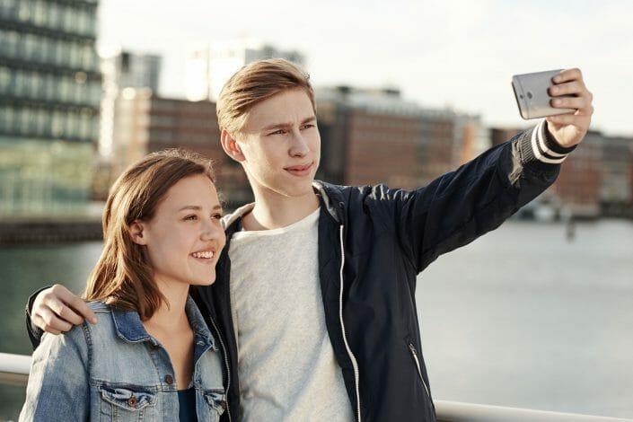 Reklamefotografering til billedbank, teenageselfies ©fotografering Ida Schmidt