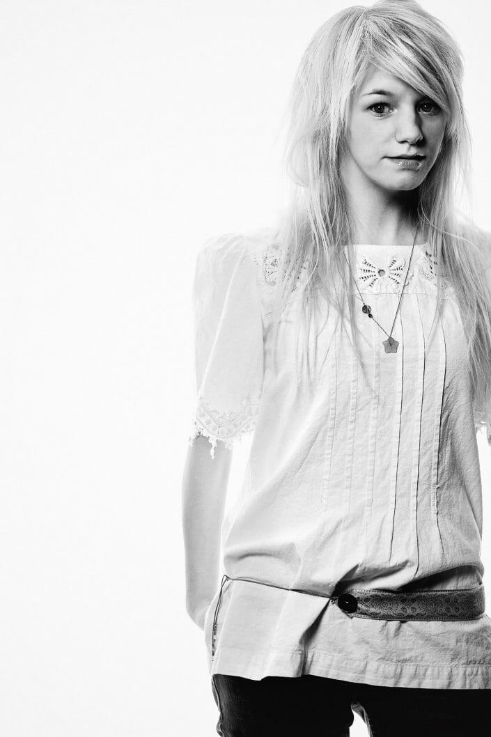 Artikel portrætfoto, sanger Pernille Vallentin, Alt for Damerne ©fotograf Ida Schmidt